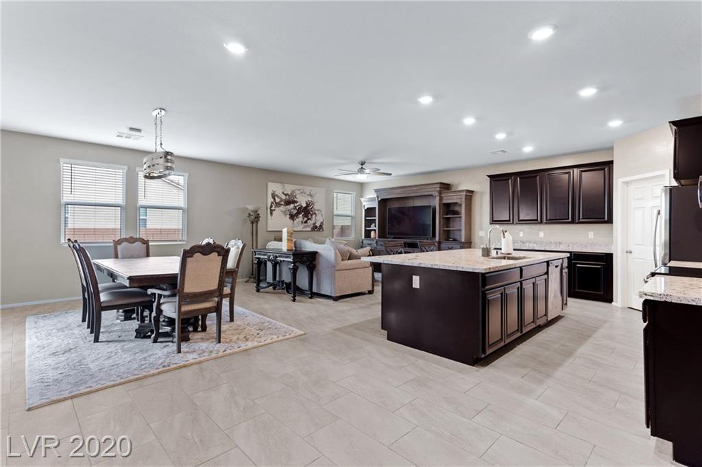 2598 Blossom Avenue Property Photo