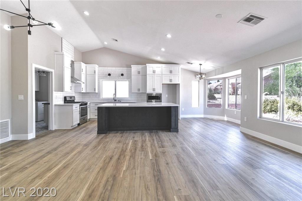 9040 Pennystone Avenue Property Photo