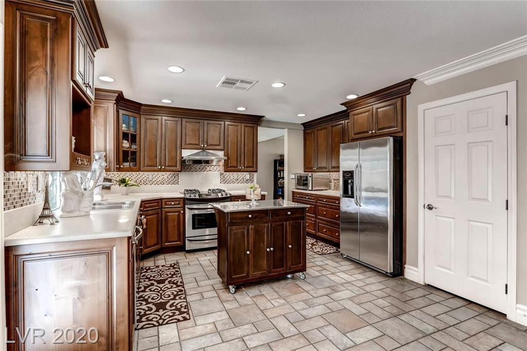 299 Barletta Avenue Property Photo