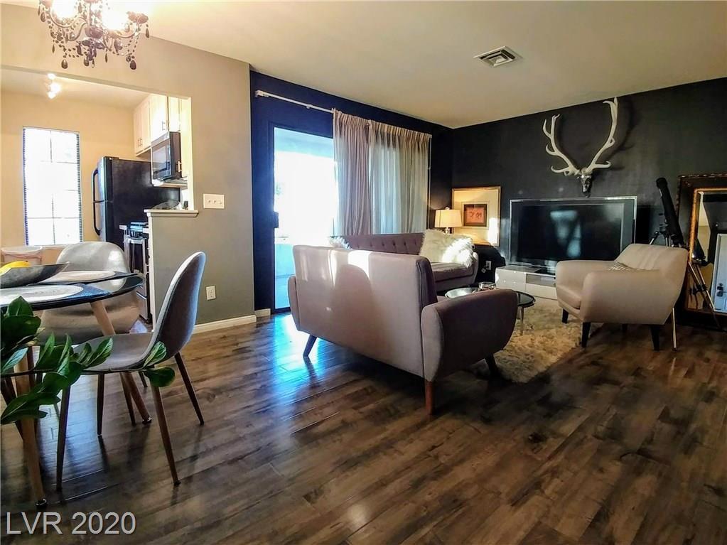4865 Torrey Pines Drive #204 Property Photo