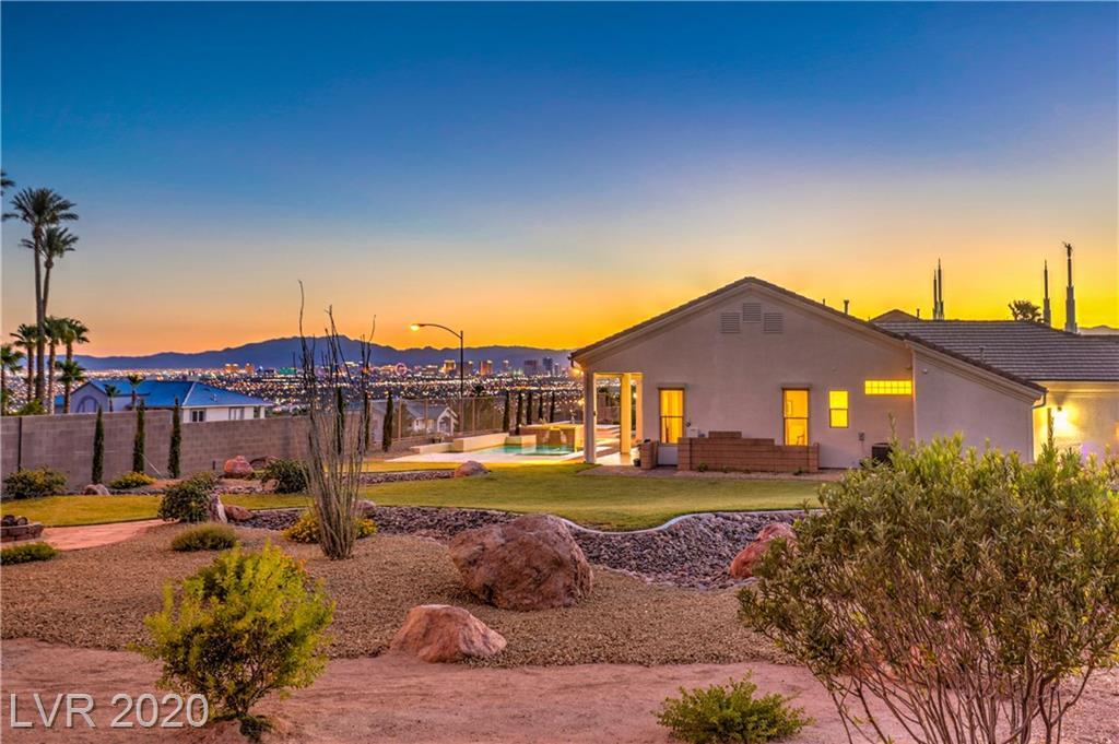 7081 New Moon Way Property Photo - Las Vegas, NV real estate listing