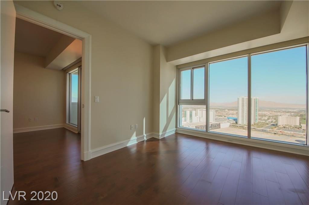 2700 S Las Vegas Bl Boulevard #3004 Property Photo