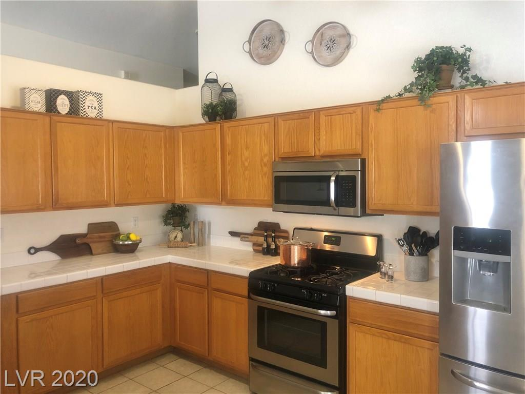265 Autumn Eve Street Property Photo - Henderson, NV real estate listing