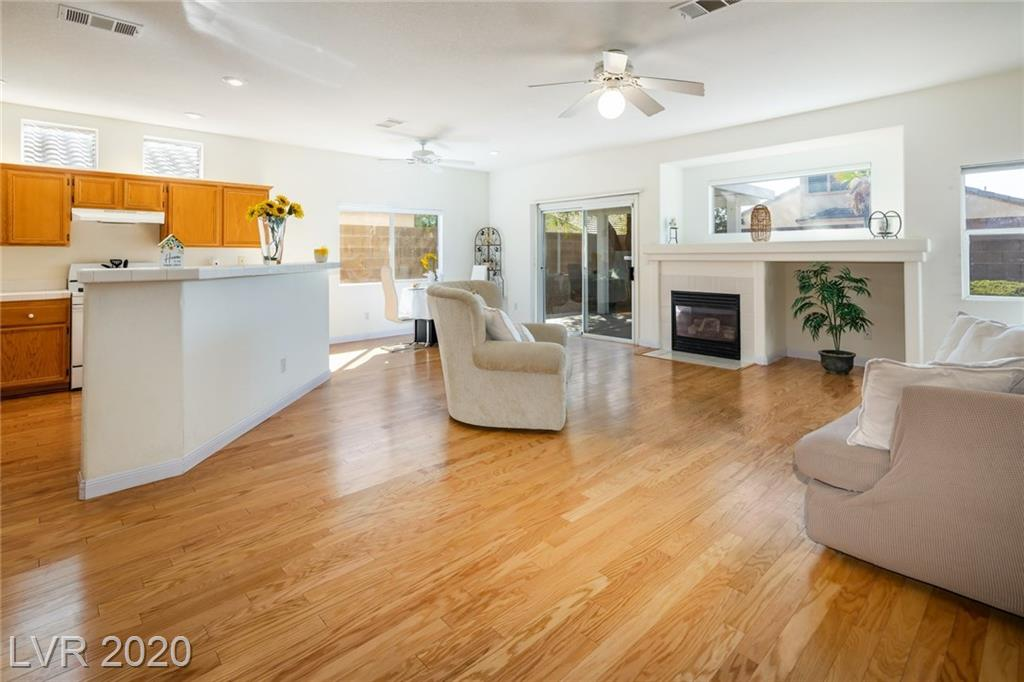10159 Queensbury Avenue Property Photo - Las Vegas, NV real estate listing