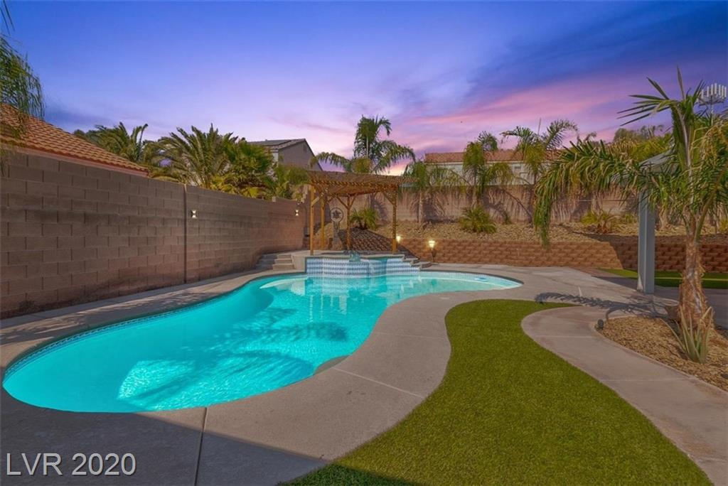 3720 Canary Creek Avenue Property Photo - North Las Vegas, NV real estate listing