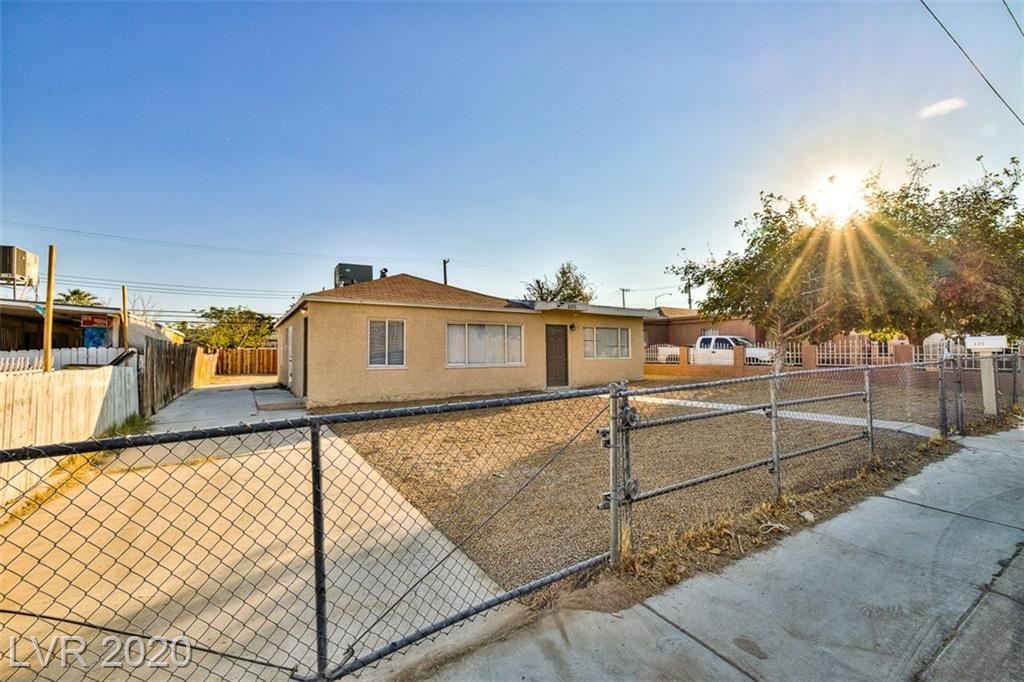 605 Carey Avenue Property Photo - Las Vegas, NV real estate listing