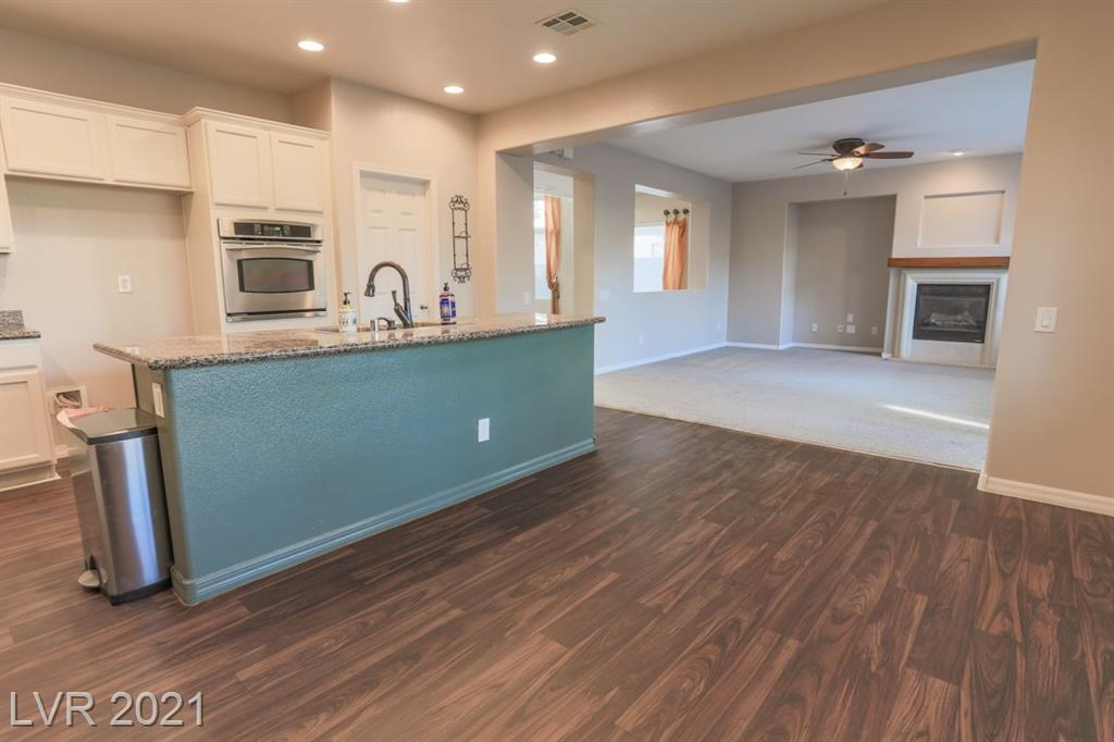 2572 Sturrock Drive Property Photo - Henderson, NV real estate listing