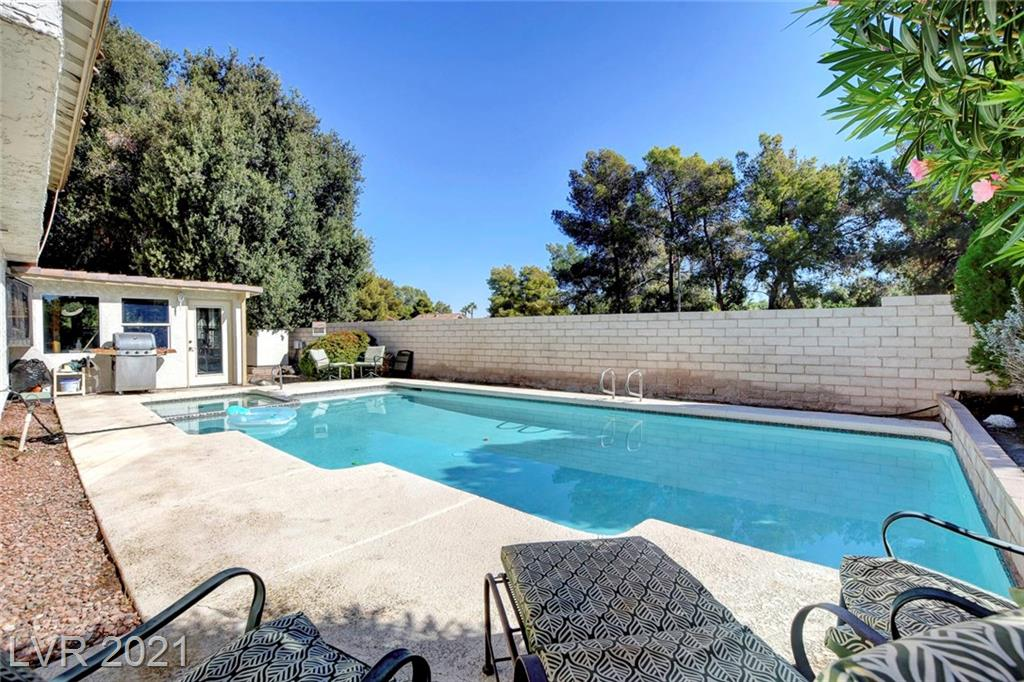 2246 Windsor Drive Property Photo - Henderson, NV real estate listing