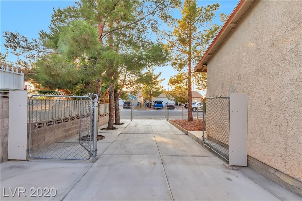 2726 San Vincente Street Property Photo - Las Vegas, NV real estate listing