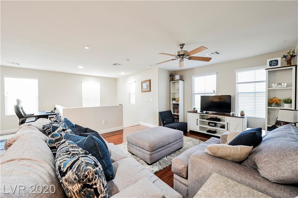 10615 Painted Bridge Street Property Photo - Las Vegas, NV real estate listing