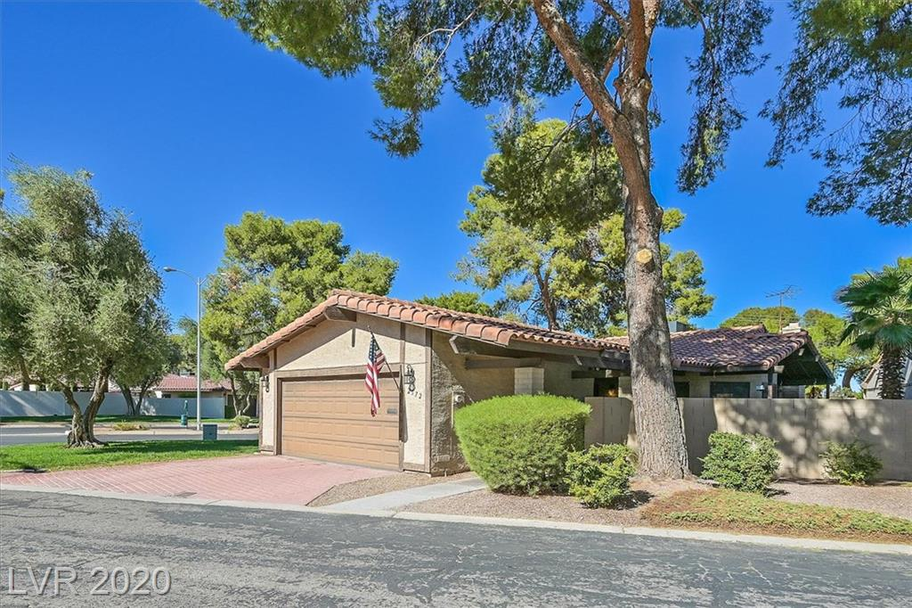 2572 Egret Circle Property Photo - Las Vegas, NV real estate listing