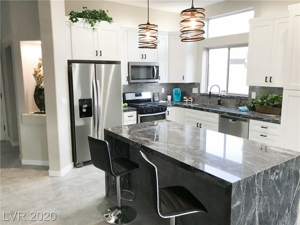 2209 Hot Oak Ridge Street Property Photo