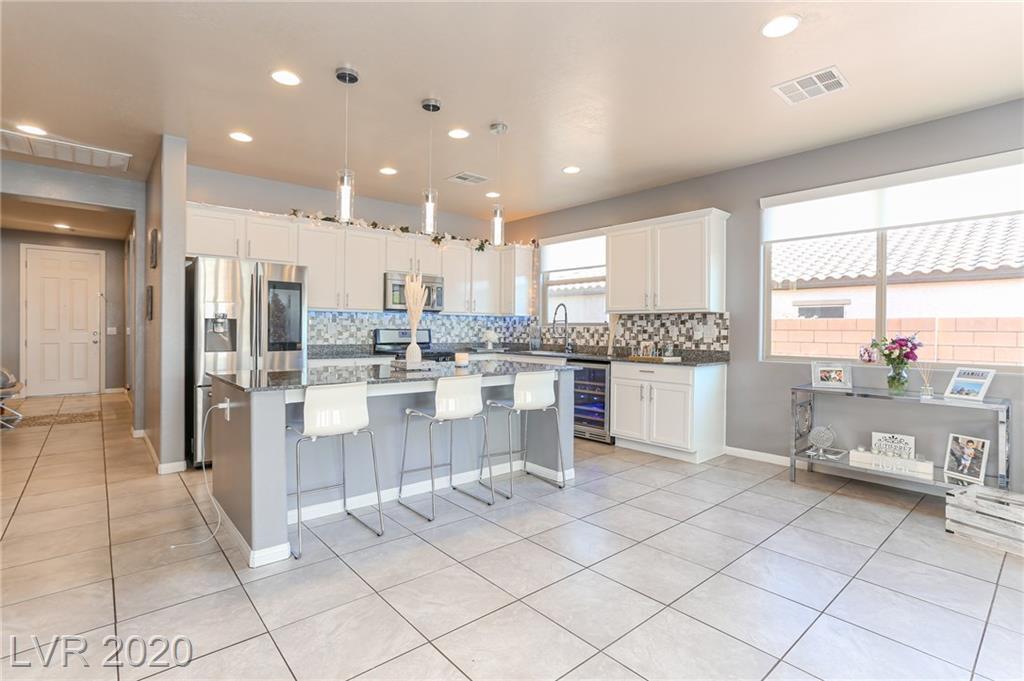 1021 Vegas Palm Avenue Property Photo - North Las Vegas, NV real estate listing