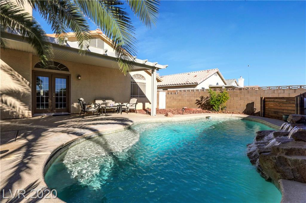 7021 Golden Desert Avenue Property Photo - Las Vegas, NV real estate listing