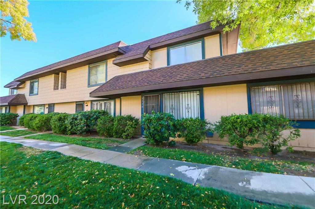 6136 Meadow View Lane Property Photo - Las Vegas, NV real estate listing