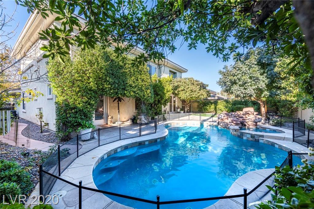 704 Pinnacle Heights Lane Property Photo - Las Vegas, NV real estate listing