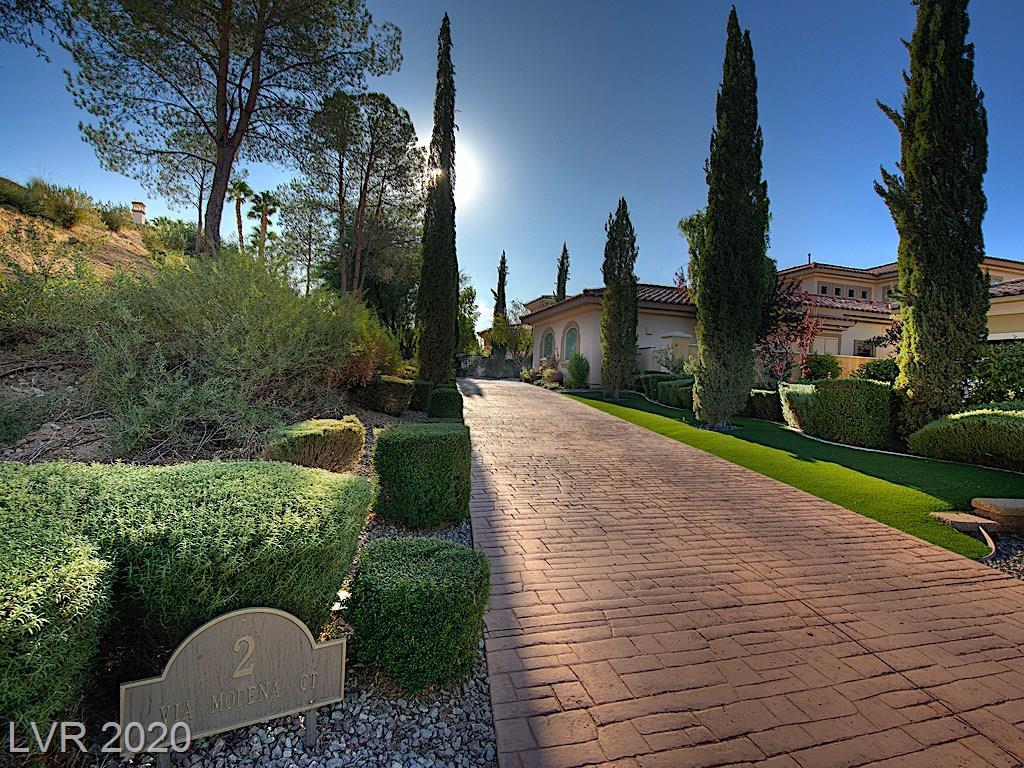 2 Via Modena Court Property Photo