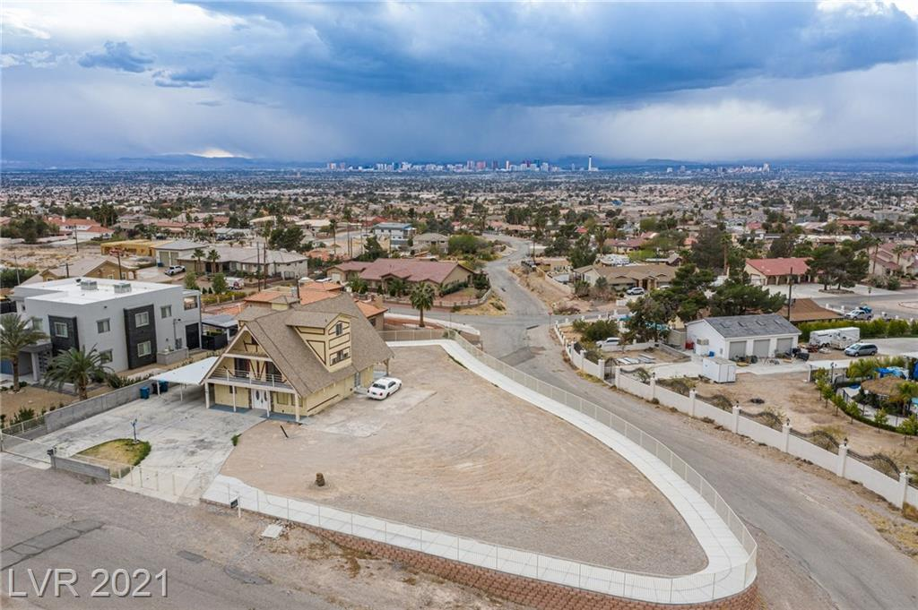 697 Benedict Drive Property Photo - Las Vegas, NV real estate listing