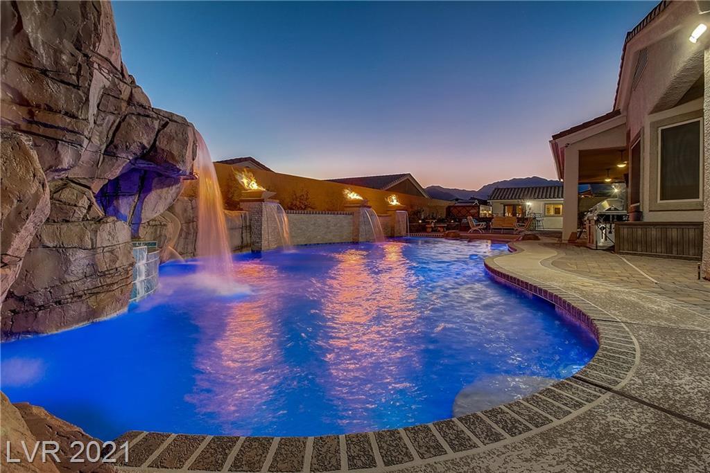 9825 Tropical Parkway Property Photo - Las Vegas, NV real estate listing