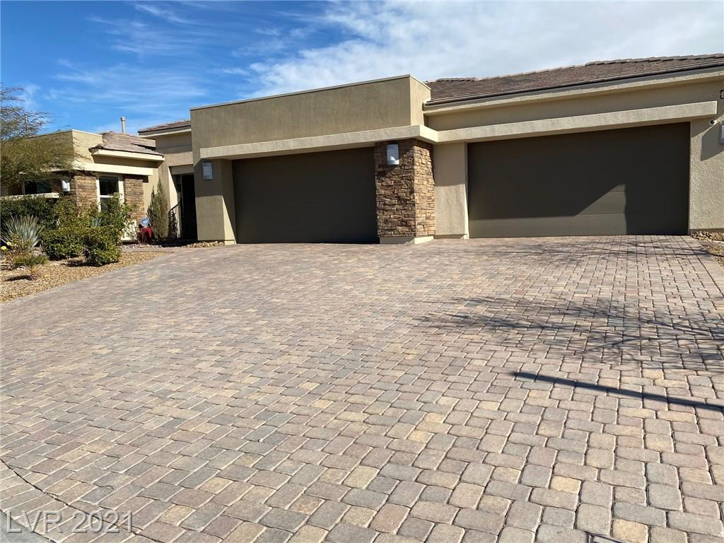 8116 Sweetwater Creek Way Property Photo - Las Vegas, NV real estate listing