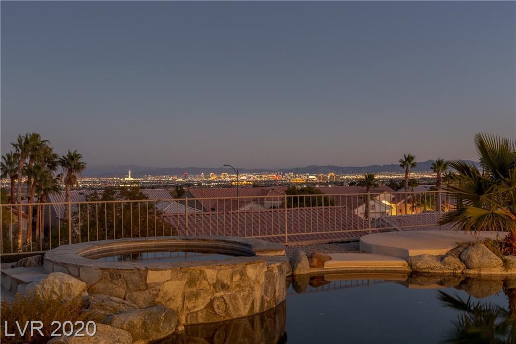 2116 Red Dawn Sky Street Property Photo - Las Vegas, NV real estate listing