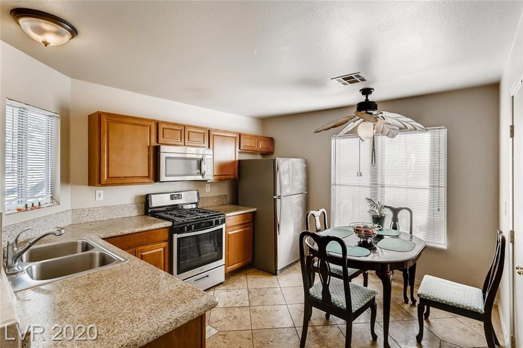 1721 Comstock Drive Property Photo - Henderson, NV real estate listing