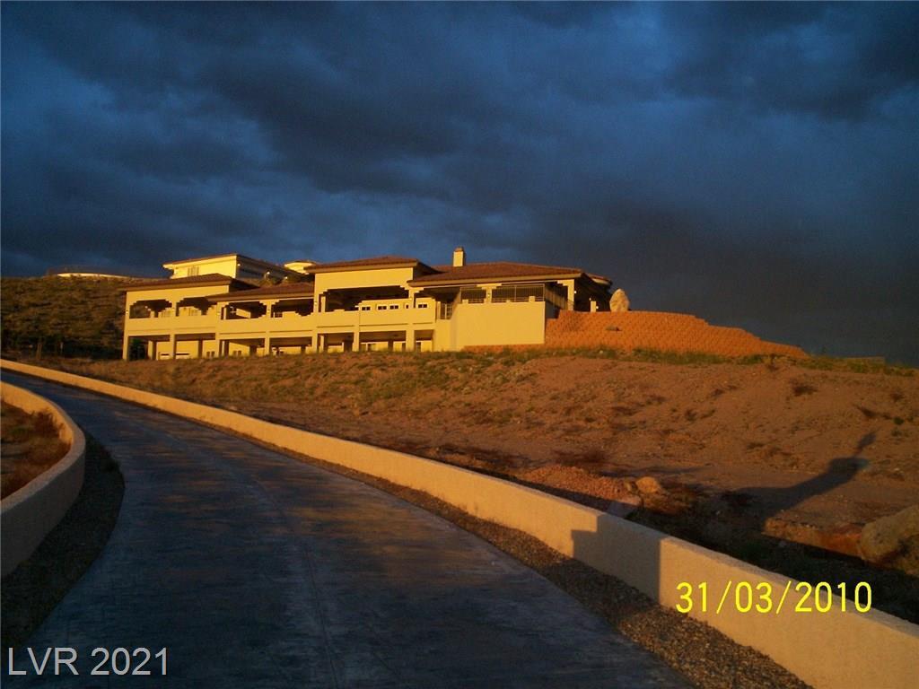 1500 Mendota Drive Property Photo 1