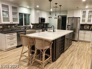 1500 Mendota Drive Property Photo