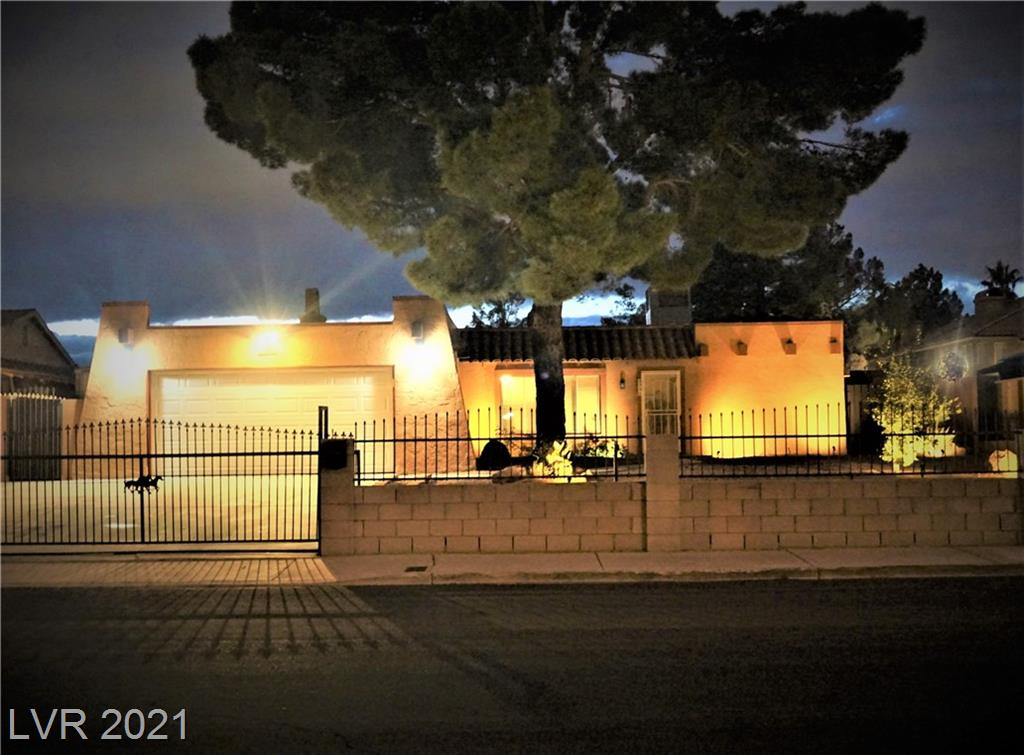 5355 Tamarus Street Property Photo - Las Vegas, NV real estate listing