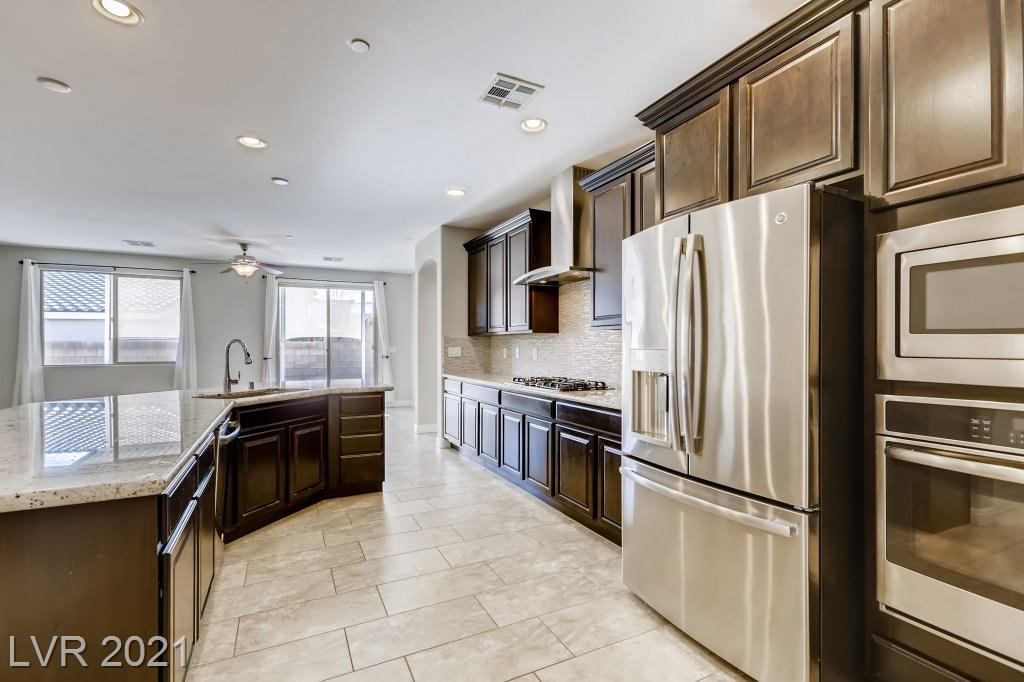 783 Flowing Meadow Drive Property Photo - Henderson, NV real estate listing