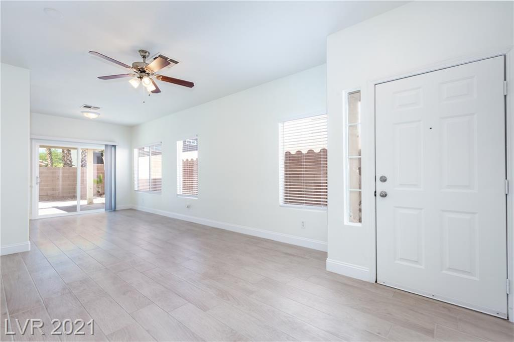 7869 Delta Oak Court Property Photo - Las Vegas, NV real estate listing