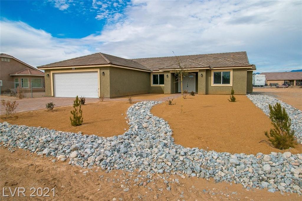 871 E lone pine Property Photo - Pahrump, NV real estate listing