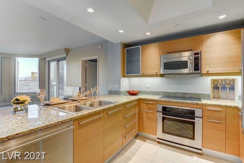 222 Karen Avenue #1701 Property Photo