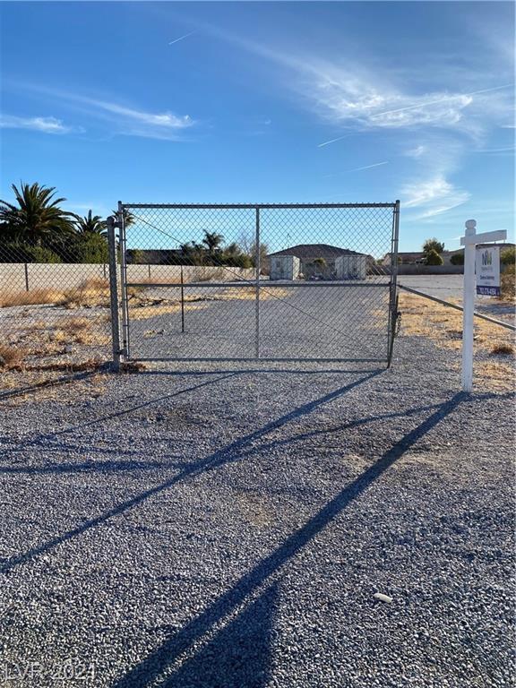 5660 Gilbert Lane Property Photo