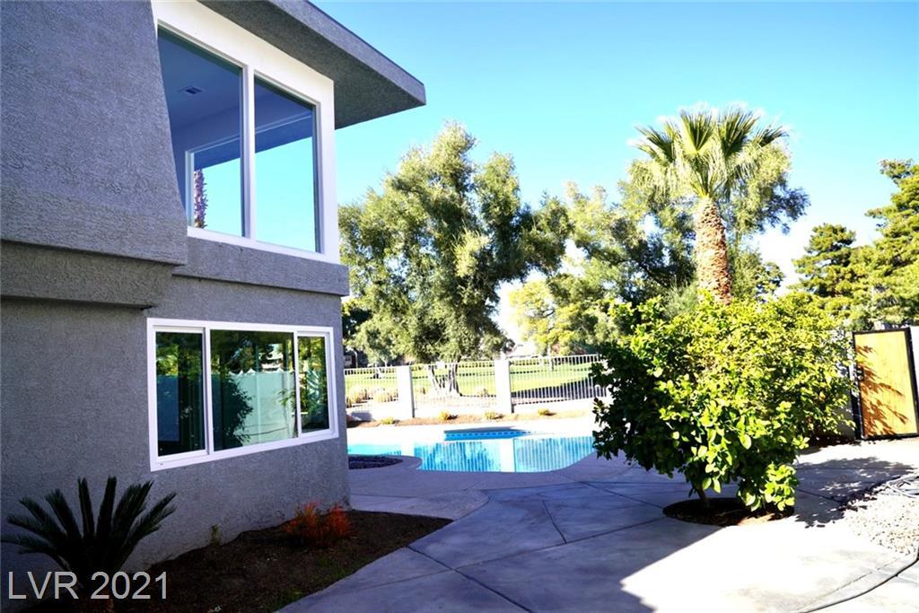 956 Vegas Valley Drive Property Photo