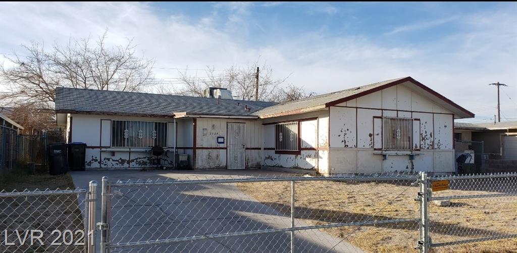 2725 Commerce Street Property Photo