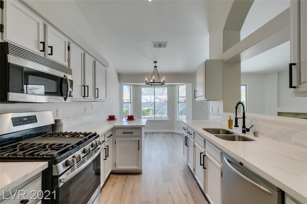 4310 Valley Regents Drive Property Photo