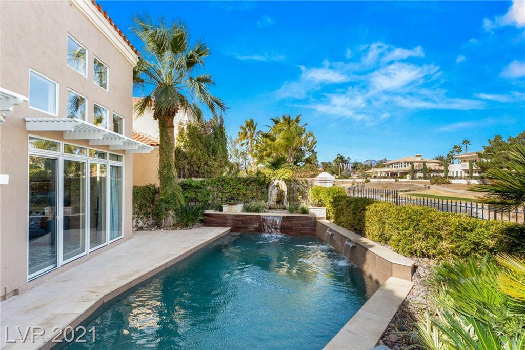 8204 Horseshoe Bend Lane Property Photo - Las Vegas, NV real estate listing
