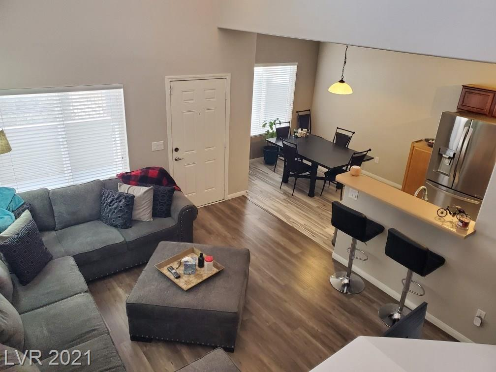10454 Gold Shadow Avenue Property Photo