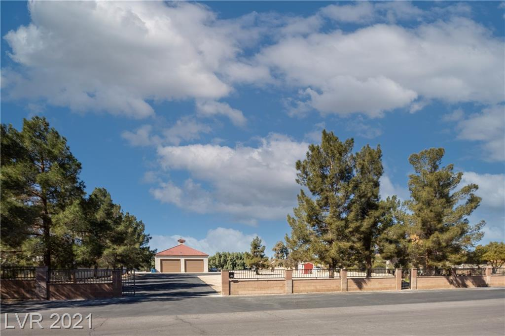 8227 Fairfield Avenue Property Photo - Las Vegas, NV real estate listing