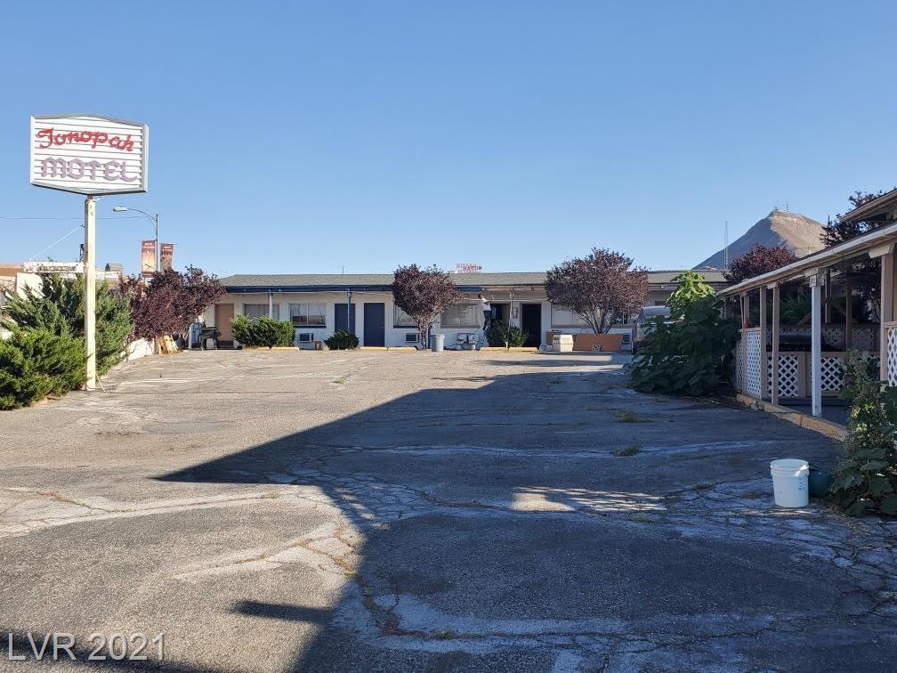325 N Main Street Property Photo