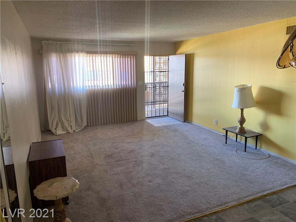 356 E Desert Inn Road #305 Property Photo - Las Vegas, NV real estate listing