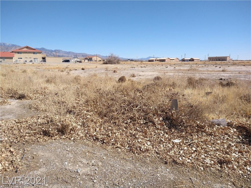 2261 Calvada Boulevard Property Photo