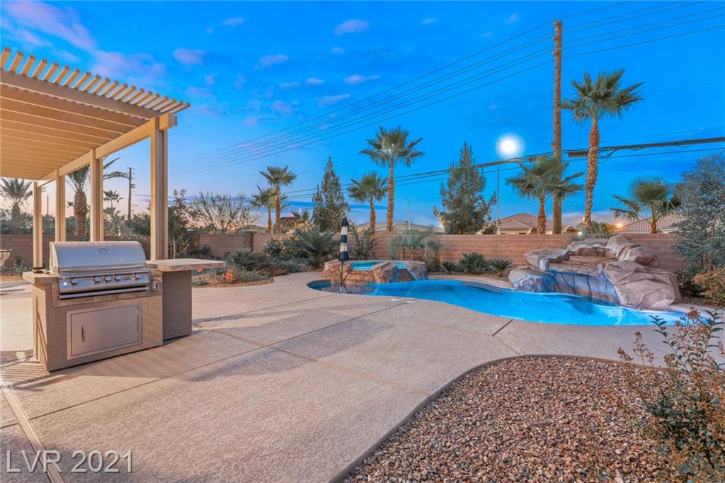 7048 Shire Ridge Avenue Property Photo - Las Vegas, NV real estate listing