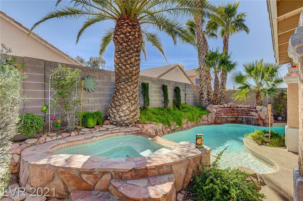 Winding Ridge Way Property Photo - Las Vegas, NV real estate listing