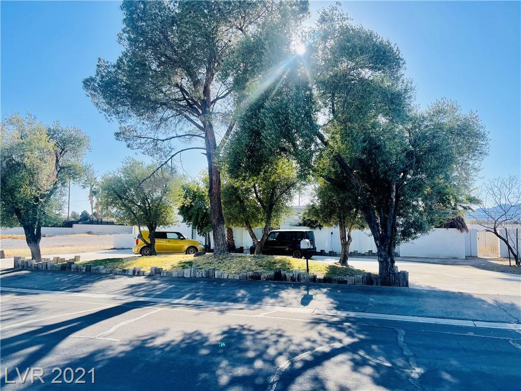 824 Lacy Lane Property Photo 1
