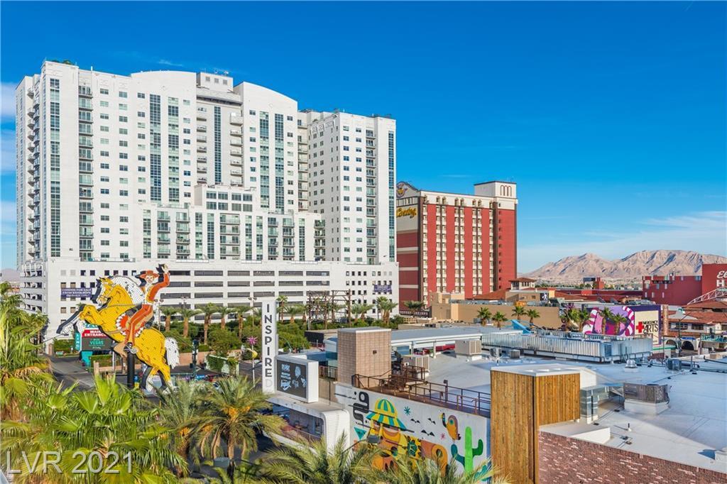 150 Las Vegas Boulevard #1807 Property Photo 1