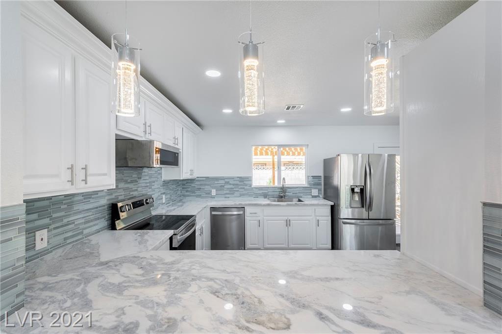 Pinecone Place Property Photo - Las Vegas, NV real estate listing