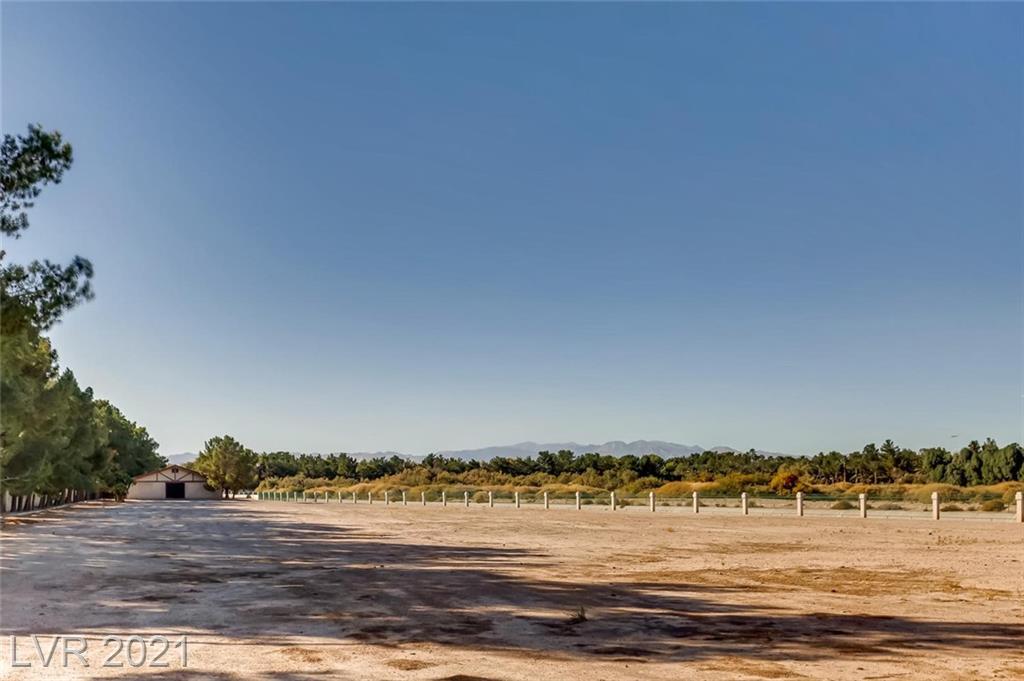 7080 S Pecos Road Property Photo