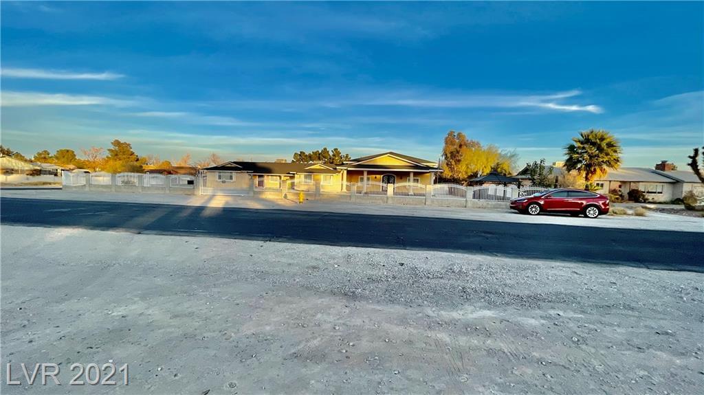 Torrey Pines Drive Property Photo - Las Vegas, NV real estate listing
